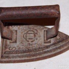 Antigüedades: ANTIGUA PLANCHA EN HIERRO 5S UO 14CM.. Lote 195948012