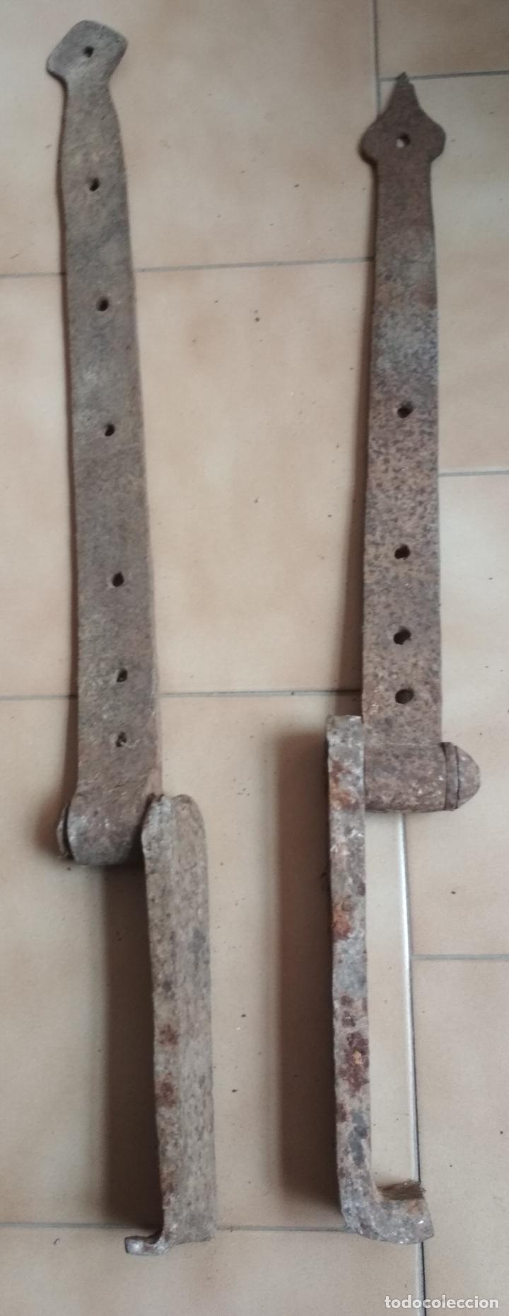 LOTE 2 BISAGRAS,AGUAZAS GRANDES DE PORTON (Antigüedades - Técnicas - Cerrajería y Forja - Bisagras Antiguas)