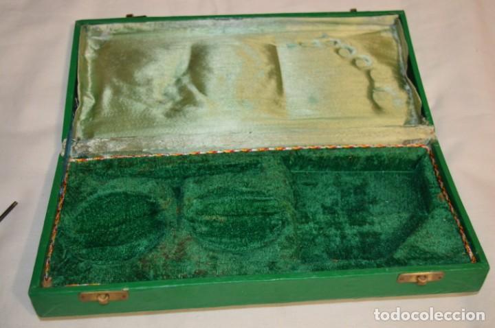 Antigüedades: ANTIGUA BALANZA / PESO en MINIATURA - De METAL y estuche MADERA / UNA JOYA - PRECIOSA - ¡Mira fotos! - Foto 10 - 196001728
