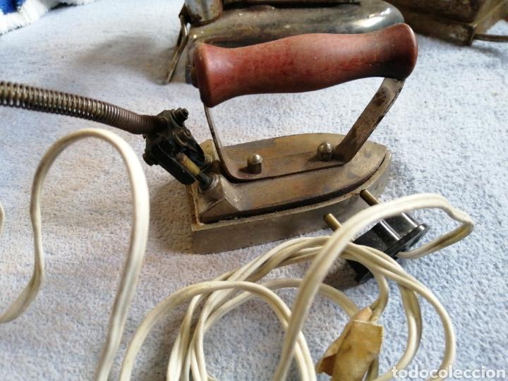 Antigüedades: Lote planchas antiguas eléctricas - Foto 4 - 196038527
