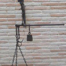 Antigüedades: 3.- ROMANA ANTIGUA ESPAÑOLA DE PLATO CON 3 GANCHOS EN HIERRO FORJADO.. Lote 196057758