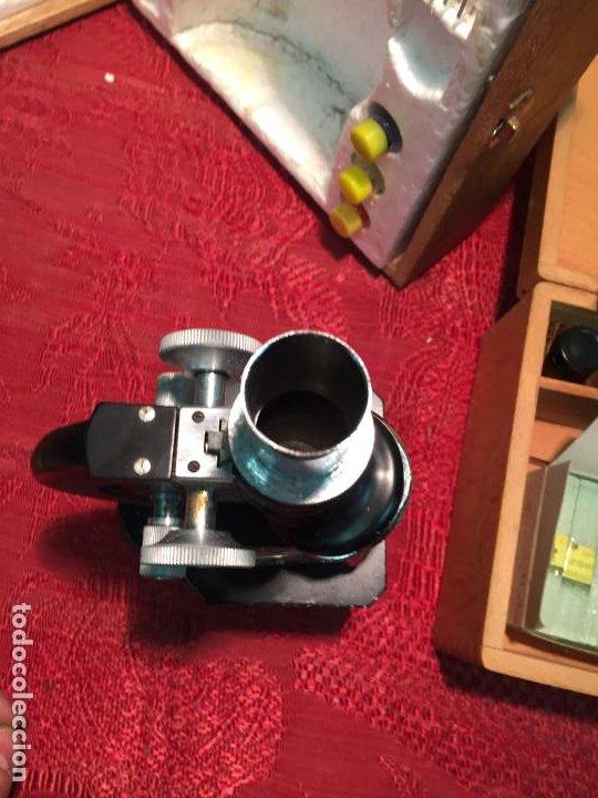 Antigüedades: Antiguo pequeño microscopio marca Hoc con caja de madera años 60 - Foto 7 - 196129007