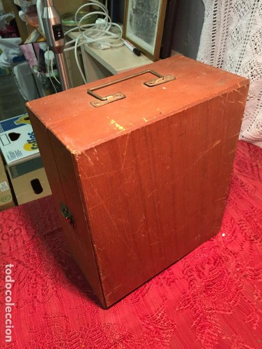 Antigüedades: Antiguo pequeño microscopio marca Hoc con caja de madera años 60 - Foto 9 - 196129007
