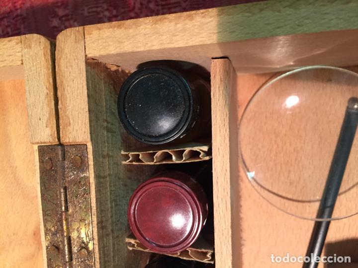 Antigüedades: Antiguo pequeño microscopio marca Hoc con caja de madera años 60 - Foto 17 - 196129007
