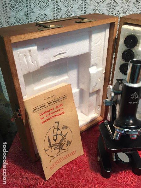 Antigüedades: Antiguo pequeño microscopio marca Hoc con caja de madera años 60 - Foto 23 - 196129007