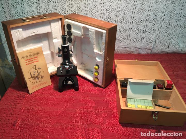 ANTIGUO PEQUEÑO MICROSCOPIO MARCA HOC CON CAJA DE MADERA AÑOS 60 (Antigüedades - Técnicas - Instrumentos Ópticos - Microscopios Antiguos)