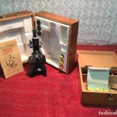 Antigüedades: ANTIGUO PEQUEÑO MICROSCOPIO MARCA HOC CON CAJA DE MADERA AÑOS 60. Lote 196129007