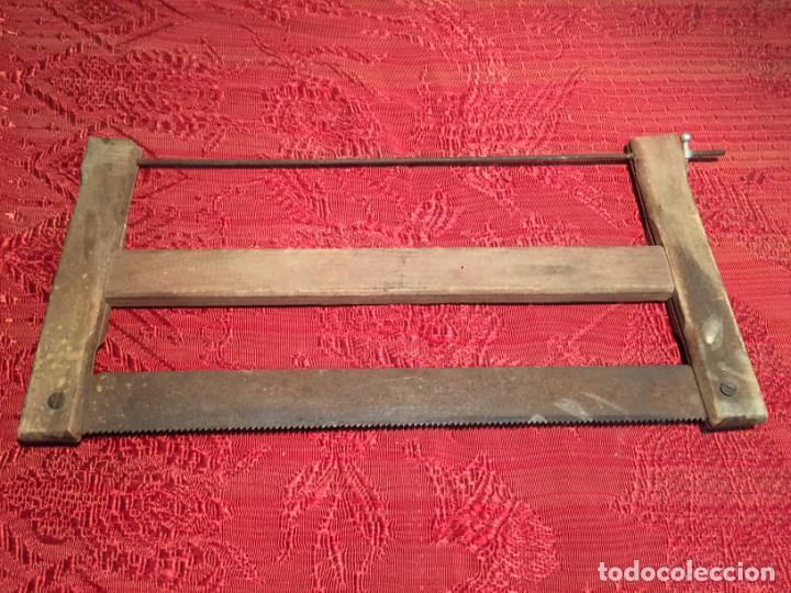 ANTIGUA SIERRA / SERRUCHO DE ARCO DE MADERA AÑOS FINALES SIGLO XIX (Antigüedades - Técnicas - Herramientas Profesionales - Carpintería )