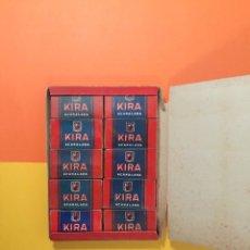 Antigüedades: 100 HOJAS DE AFEITAR ACANALADAS KIRA - NUEVAS PRECINTADAS. Lote 196144362