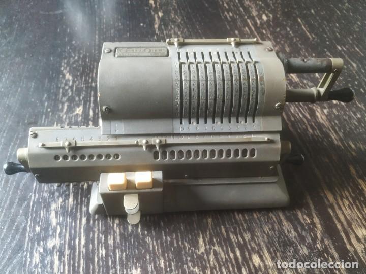 Antigüedades: Calculadora Original Odhner modelo 107. Funciona - Foto 2 - 196164860