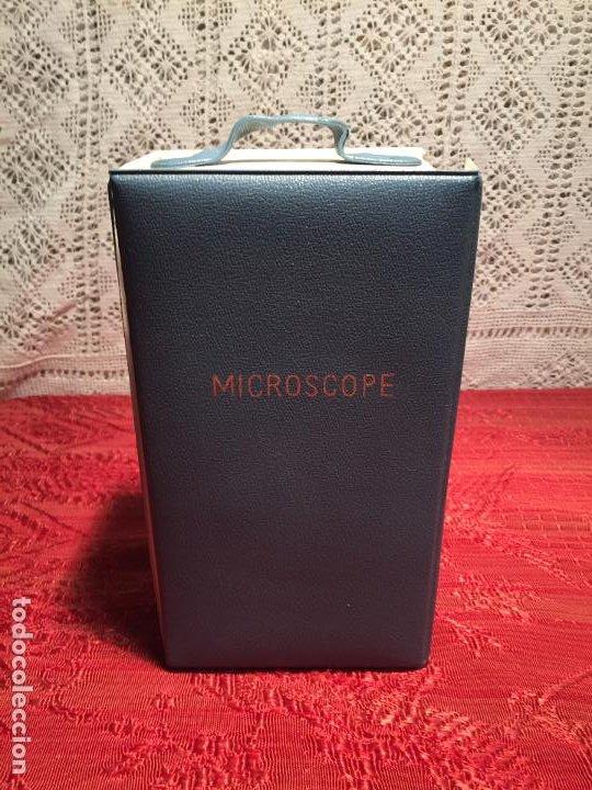 Antigüedades: Antiguo pequeño microscopio de estudiante marca Hoc con caja de madera años 60 - Foto 5 - 196222016