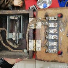 Antigüedades: ANTIGUA CAJA ELÉCTRICA CON INTERRUPTOR... CONSERVADA. Lote 196286998