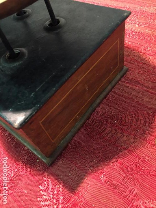 Antigüedades: Antigua báscula / balanza de madera y lata con platos de latón años 20-30 - Foto 4 - 196302778