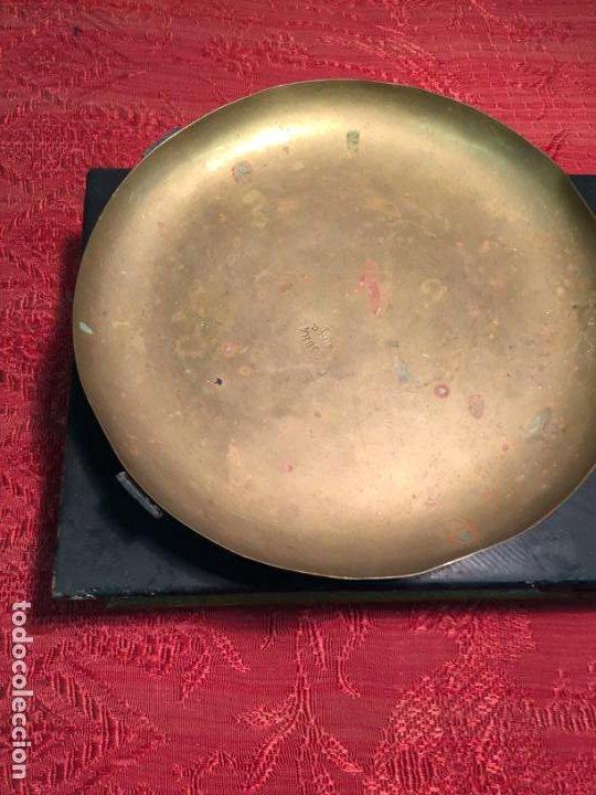 Antigüedades: Antigua báscula / balanza de madera y lata con platos de latón años 20-30 - Foto 6 - 196302778