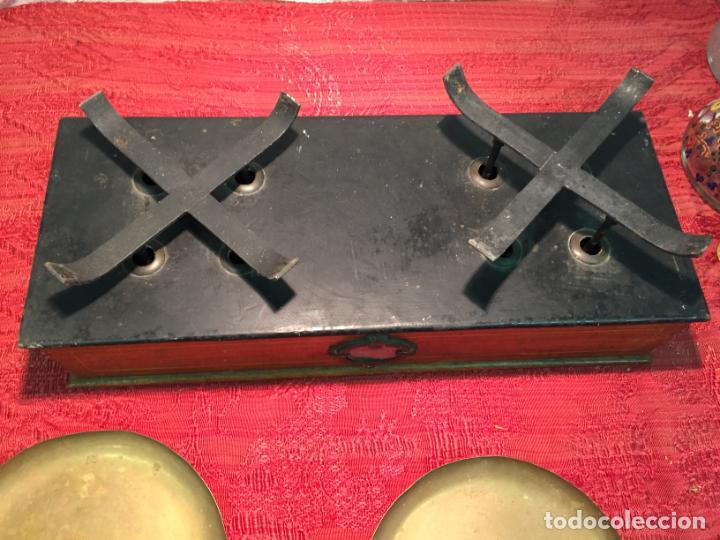 Antigüedades: Antigua báscula / balanza de madera y lata con platos de latón años 20-30 - Foto 9 - 196302778