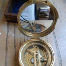 Antiquités: BRUJULA MARINA CON SEXTANTE. STANLEY. LONDON.. Lote 196347211