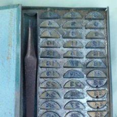 Antigüedades: PRECIOSA PEQUEÑA IMPRENTA EN PLOMO, AÑOS 40. Lote 196389135