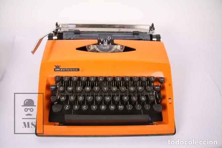 Antigüedades: Antigua Máquina de Escribir - Triumph / Contessa de Luxe - Color Naranja - Instruciones y Maletín - Foto 2 - 196502391