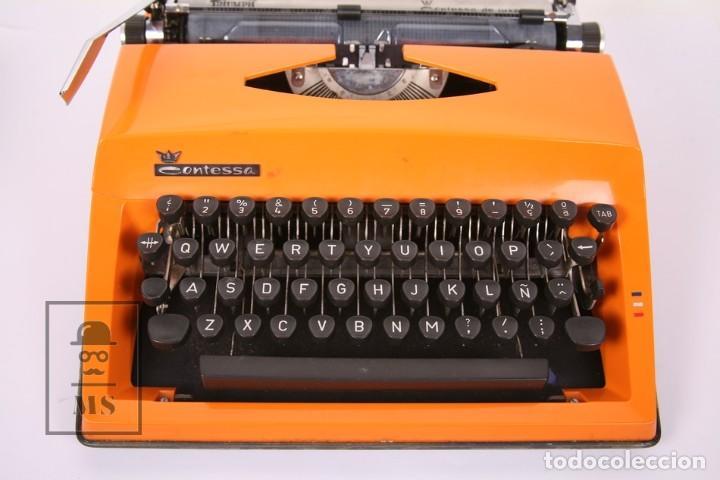 Antigüedades: Antigua Máquina de Escribir - Triumph / Contessa de Luxe - Color Naranja - Instruciones y Maletín - Foto 4 - 196502391
