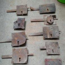 Antigüedades: LOTE 10 CERRAJAS PUERTA FORJA ANTIGUAS. Lote 196747931