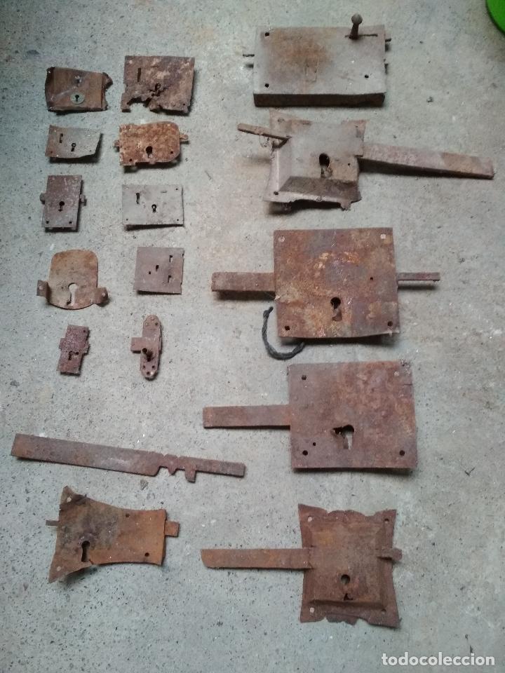 LOTE 17 CERRAJAS Y PIEZAS VARIAS CERRAJERIA. HIERRO FORJA ANTIGUAS (Antigüedades - Técnicas - Cerrajería y Forja - Cerraduras Antiguas)