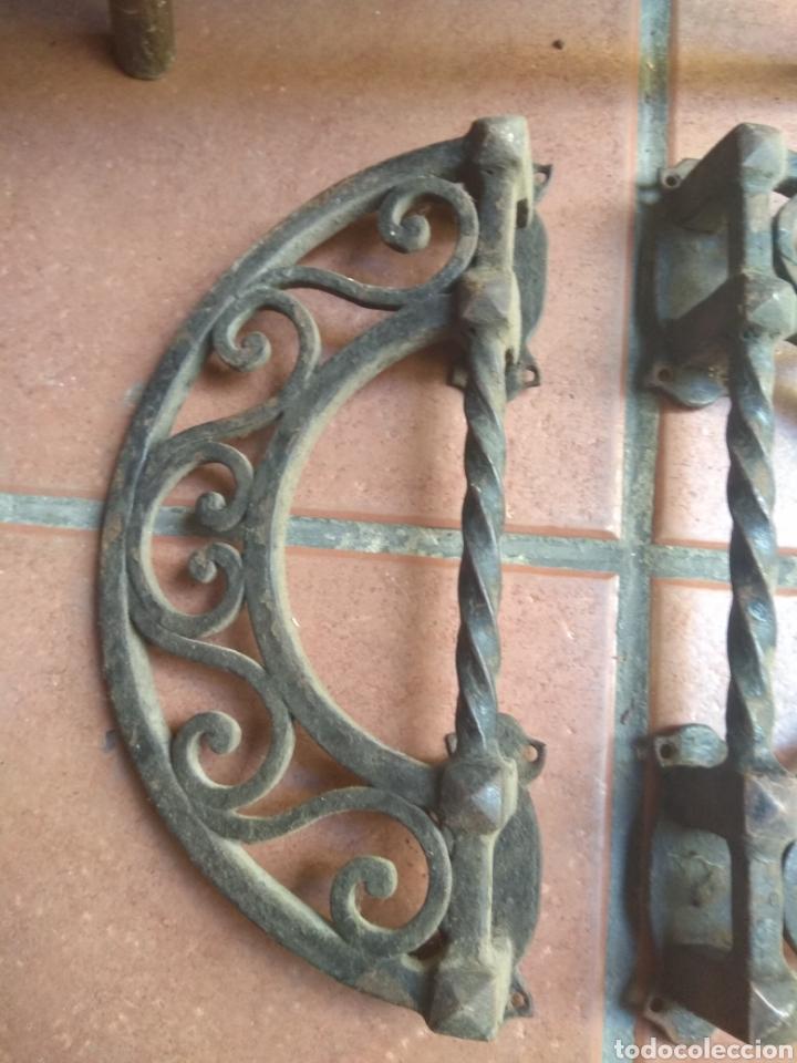 Antigüedades: Pareja de Tiradores de Forja - Gran Tamaño - Raros - - Foto 5 - 196799805