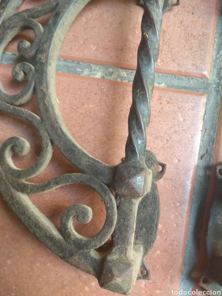 Antigüedades: Pareja de Tiradores de Forja - Gran Tamaño - Raros - - Foto 8 - 196799805