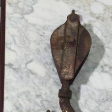 Antigüedades: ANTIGUA PASTECA HIERRO FORJADO 45CM APROX. DE 8 A 12KL. Lote 196940658