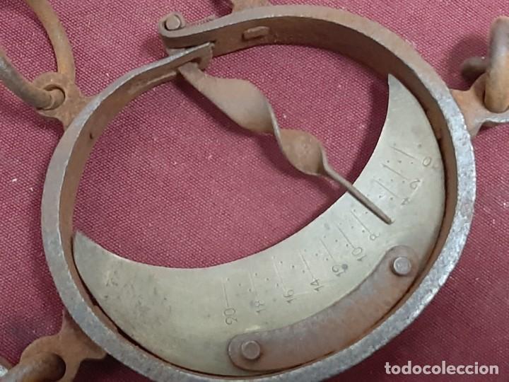 Antigüedades: PESO... DINAMOMETRO... ROMANA DE MEDIA LUNA / TRAPERO...XIX - Foto 5 - 196943672