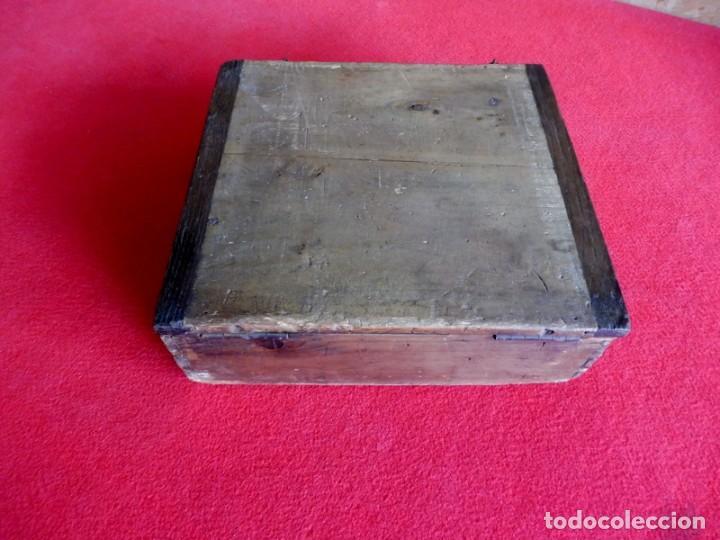 Antigüedades: ANTIGUA CAJA DE MADERA PARA ALMACENAJE DE CLAVOS O TORNILLOS - Foto 7 - 196960086