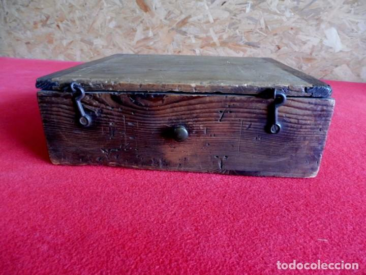Antigüedades: ANTIGUA CAJA DE MADERA PARA ALMACENAJE DE CLAVOS O TORNILLOS - Foto 11 - 196960086