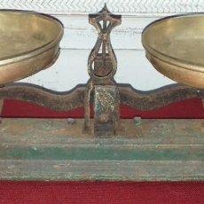 Antigüedades: PEQUEÑA BALANZA FUERZA 2 KILOS. Lote 197022738