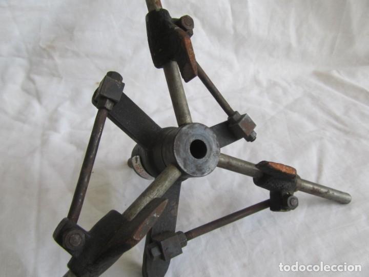 Antigüedades: Herramienta de hierro centrador Ralo Patentado - Foto 10 - 197097202