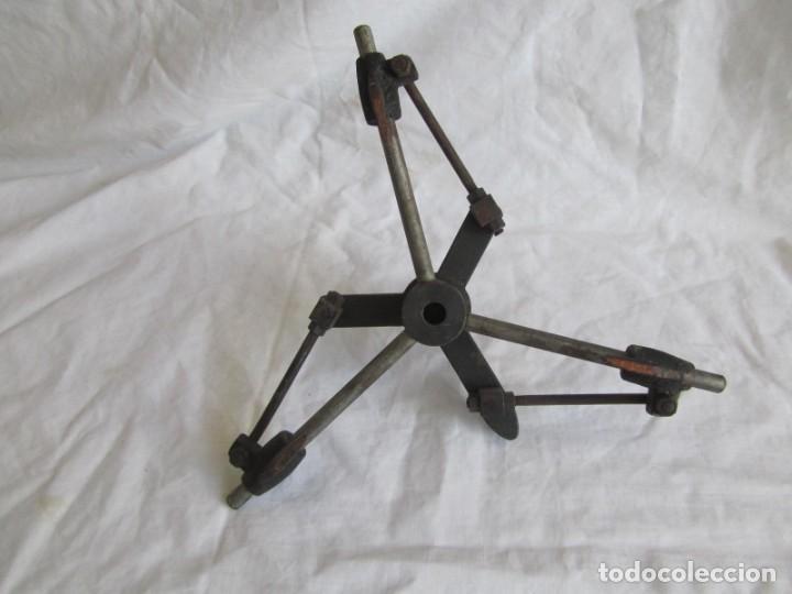 Antigüedades: Herramienta de hierro centrador Ralo Patentado - Foto 12 - 197097202