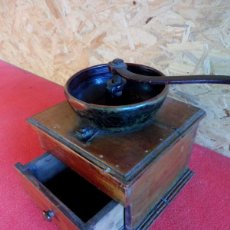 Antigüedades: MOLINO DE CAFE SIGLO XIX. Lote 197169361