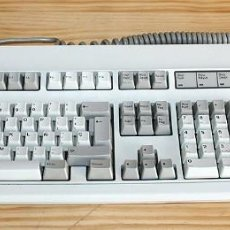 Oggetti Antichi: TECLADO MECANICO IBM - CONECTOR PS2 - FUNCIONANDO - VERSION ESPAÑOLA. Lote 197187766