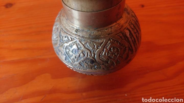 Antigüedades: Curioso molinillo antiguo de bronce - Foto 5 - 197191877