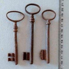 Antigüedades: LOTE DE 3 LLAVES ANTIGUAS. VER FOTOS. Lote 197206207