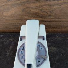 Teléfonos: EXTRAÑO TELÉFONO MESA/PARED. Lote 197211711