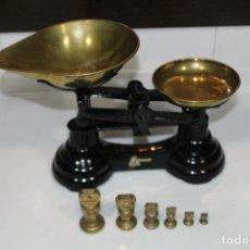 Antigüedades: BALANZA BASCULA DE LA MARCA LIBRASCO CON SUS 6 PESAS. Lote 197237292