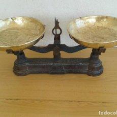 Antigüedades: BALANZA 10 KGR MUY ANTIGUA Y BONITA PESAR. Lote 197239480