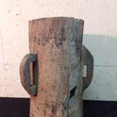 Antigüedades: MUY ANTIGUA MEDIDA DE GRANO. Lote 197359258