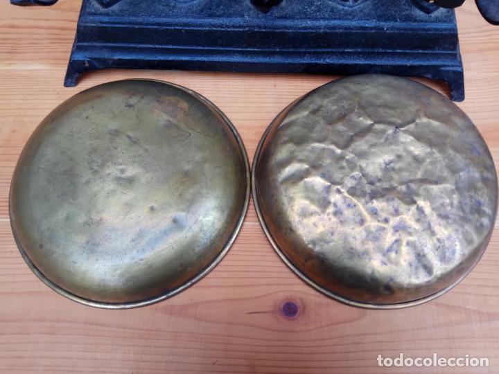 Antigüedades: BALANZAS DE 10 KG. HIERRO Y PLATOS DE METAL - Foto 4 - 197444102