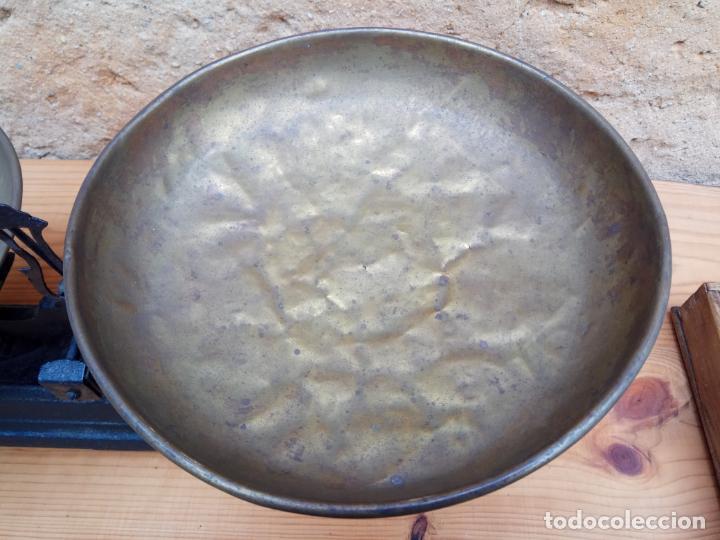 Antigüedades: BALANZAS DE 10 KG. HIERRO Y PLATOS DE METAL - Foto 6 - 197444102