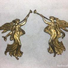 Oggetti Antichi: PAREJA DE HERRAJES NINFAS ALADAS PRINCIPIOS S.XX 14 CM - LA OPALINA. Lote 197459731