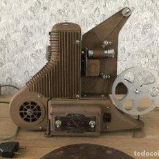 Antigüedades: PROYECTOR MODEL PC-500 FUNCIONANDO A 125V. CON MALETÍN ORIGINAL Y EN MUY BUEN ESTADO. Lote 197579115