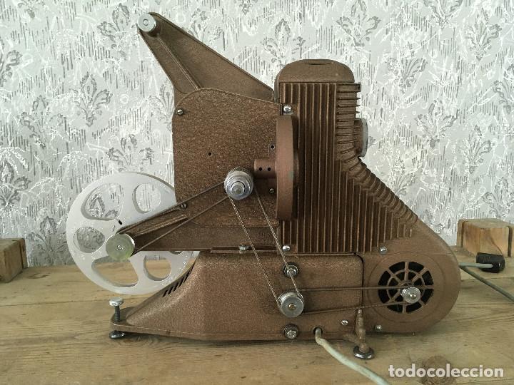 Antigüedades: PROYECTOR MODEL PC-500 FUNCIONANDO A 125V. CON MALETÍN ORIGINAL Y EN MUY BUEN ESTADO - Foto 9 - 197579115