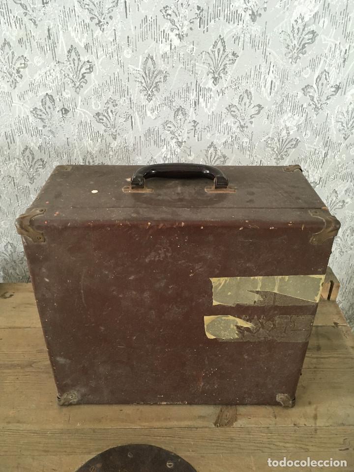 Antigüedades: PROYECTOR MODEL PC-500 FUNCIONANDO A 125V. CON MALETÍN ORIGINAL Y EN MUY BUEN ESTADO - Foto 15 - 197579115