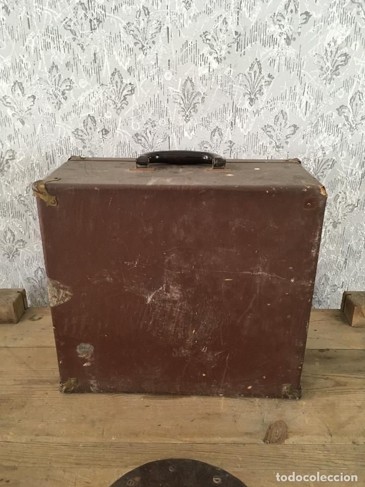 Antigüedades: PROYECTOR MODEL PC-500 FUNCIONANDO A 125V. CON MALETÍN ORIGINAL Y EN MUY BUEN ESTADO - Foto 16 - 197579115