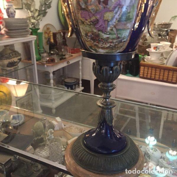 Antigüedades: Jarrón de porcelana de estilo imperial y motivos fragonard 62 cm - Foto 4 - 118468295